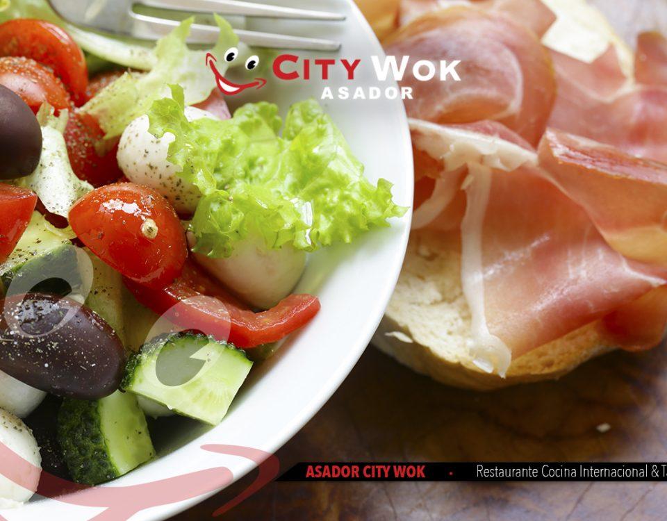 Cocina mediterránea en Asador City Wok Cádiz
